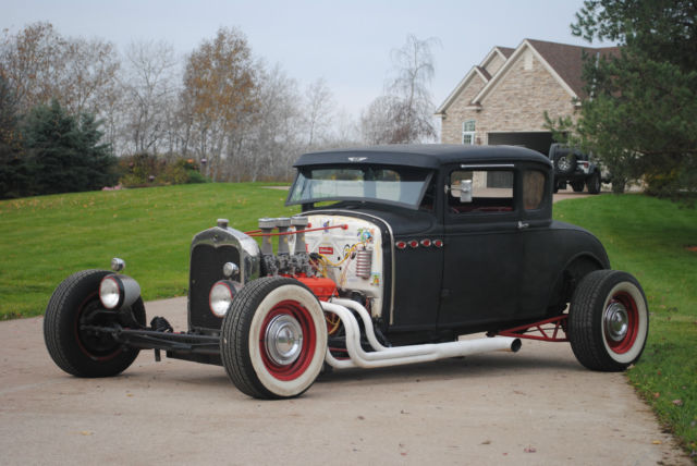 1931 Ford Model A (Black/Red)