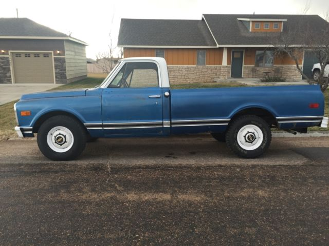1970 Chevrolet C/K Pickup 2500 (Blue/Blue)