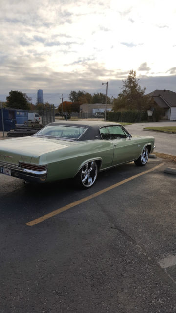 1966 Chevrolet Caprice (Willow Green Met/Black)
