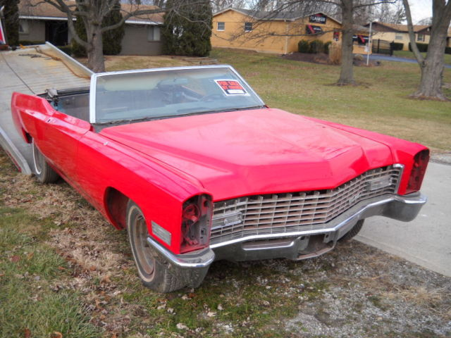 seller of classic cars 1967 cadillac convertible red. Black Bedroom Furniture Sets. Home Design Ideas