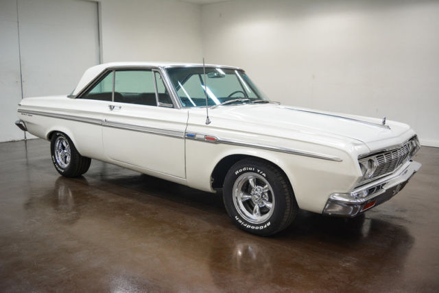 1964 Plymouth Fury (White/Black)