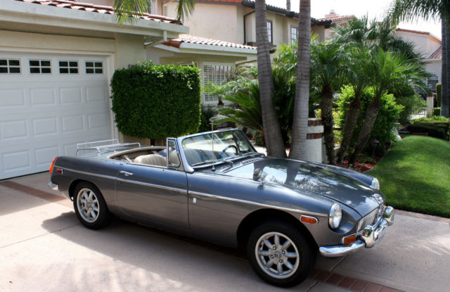 1970 MG MGB (Gray/Beige)