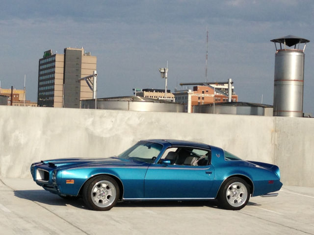 1979 Pontiac Trans Am (Lucerne Blue/Silver Leather)