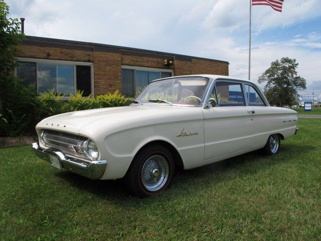1961 Ford Falcon (White/--)