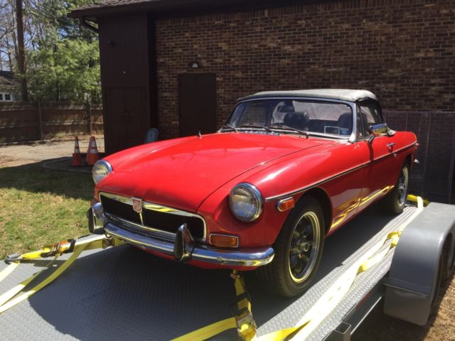 1974 MG MGB (Red/Black)