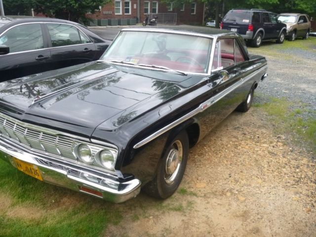 1964 Plymouth Fury (Black/Red)