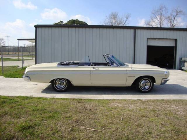 1964 Dodge Polara (Beige/Black)