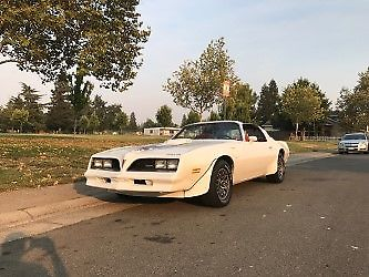1978 Pontiac Trans Am (White/Red)