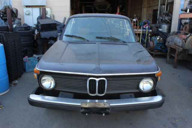 1975 BMW 2002 (Sienabraun Metallic/Tan)