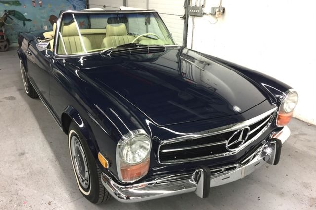 1971 Mercedes-Benz SL-Class (Blue/Partchment)