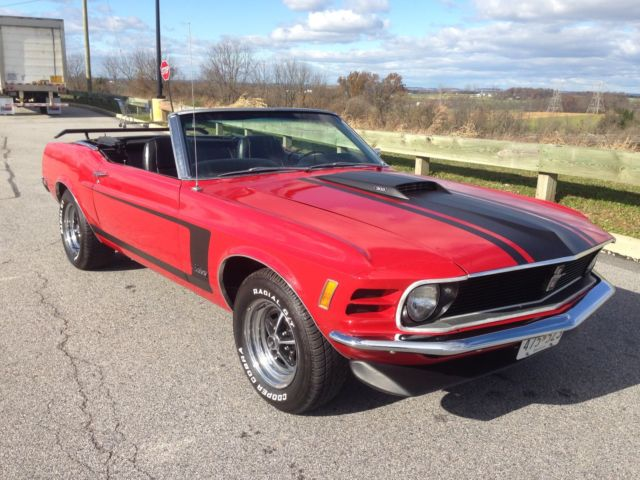 1970 Ford Mustang (Red/Black)