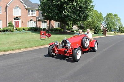 1927 Bugatti Super 35B Racer Replica (Red/Saddle Brown)