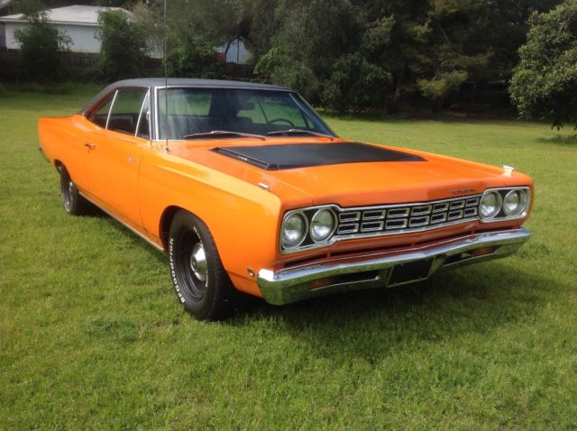 1968 Plymouth Road Runner (Special order 999 Omaha Orange/Special order black decor with upper door black)