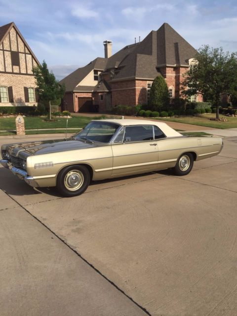 1967 Mercury Monterey (Sage Gold/Black)