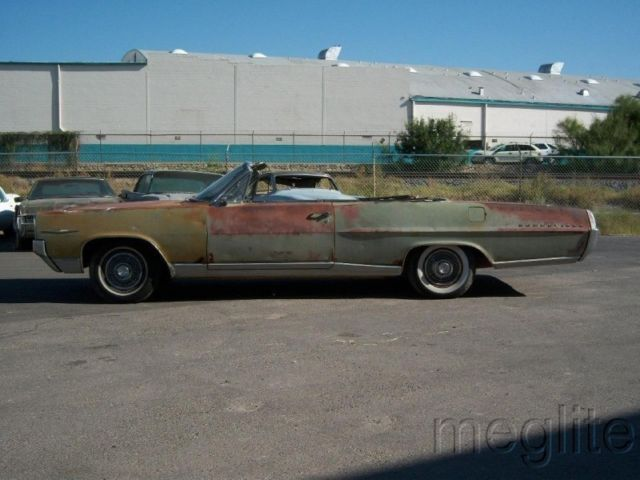 1964 Pontiac Bonneville (Green/Tan)