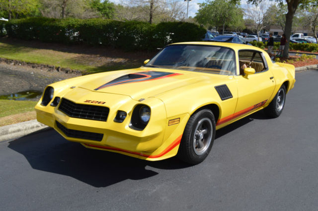 1979 Chevrolet Camaro (Yellow/Tan)