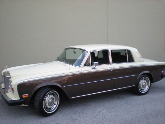 1976 Rolls-Royce Silver Shadow (Yellow/--)