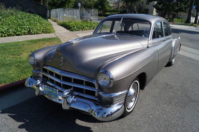 1949 Cadillac Fleetwood (Corinth Blue/Gray Shadow Broadcloth)