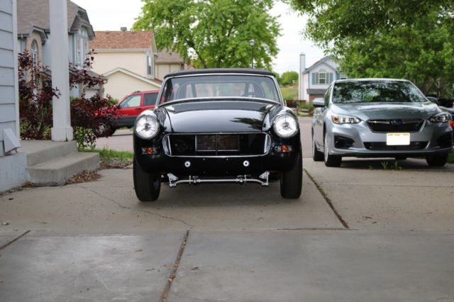 1972 MG Midget (Black/Gray)