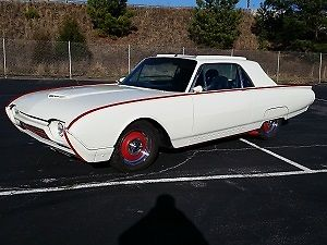 1962 Ford Thunderbird (Red/--)