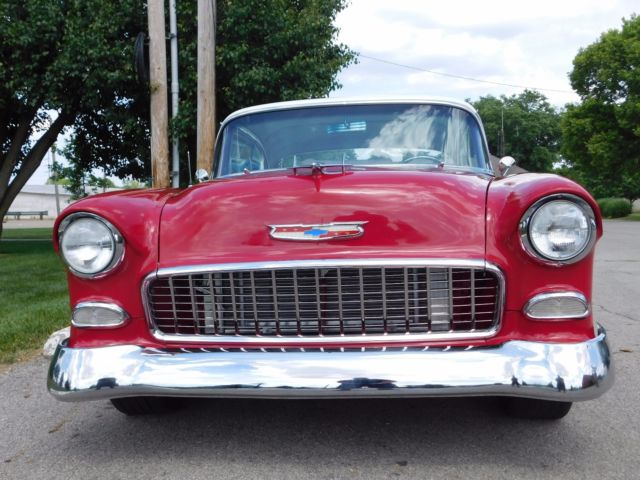 1955 Chevrolet Bel Air/150/210 (Red/white/Red)