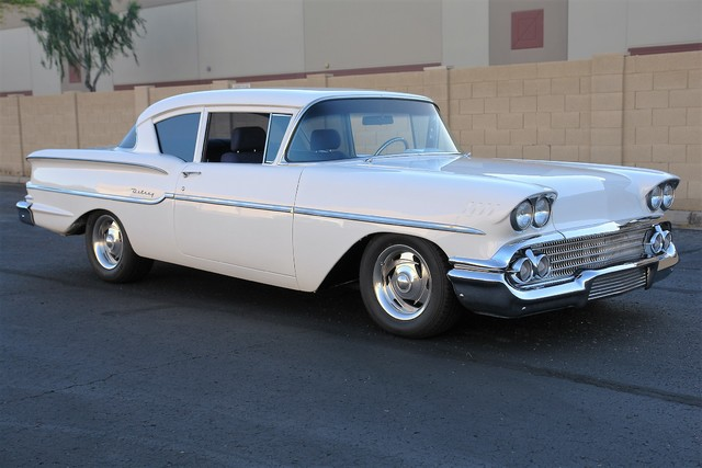 1958 Chevrolet Del-Ray (White/Blue)