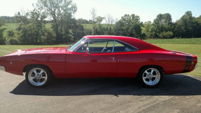 1968 Dodge Charger (Red/Black)
