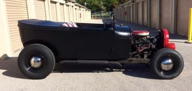 1929 Ford Model A (Black/Red)