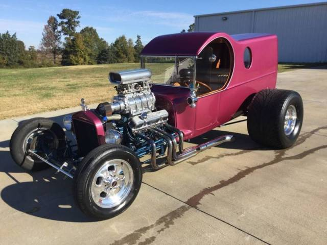 1925 Ford Model T (Purple/Tan)