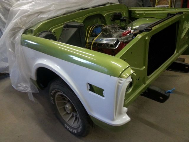 1970 Chevrolet C-10 (Green and White/Custom CST Green)