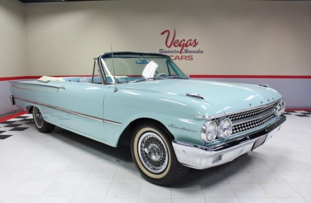 1961 Ford Galaxie (Blue/Blue)