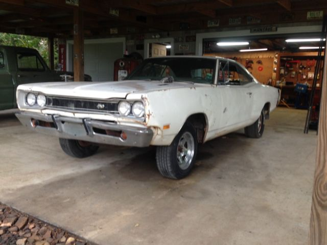 1969 Dodge Coronet (White/Blue)