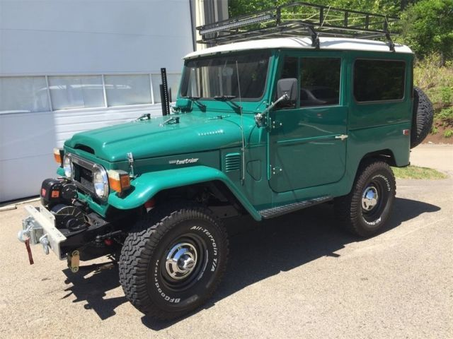 1978 Toyota FJ Cruiser (Green/Black)