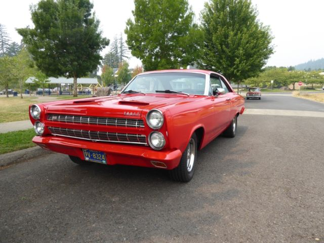 1966 Mercury Comet (VIKING RED/BLACK)