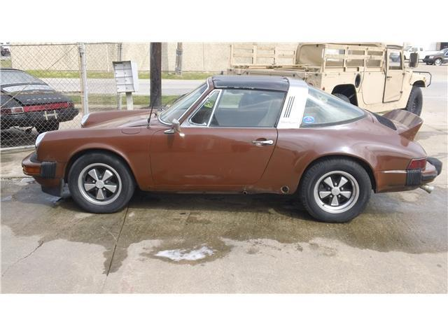 1975 Porsche 911 (Brown/Tan)