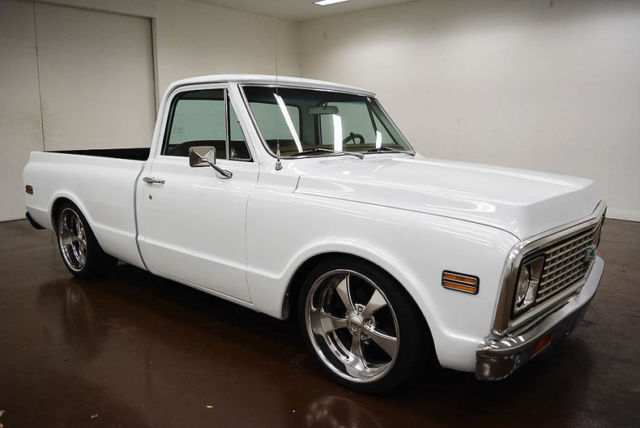 1971 Chevrolet C-10 (White/Brown)