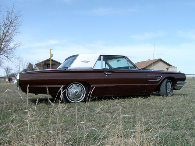 1965 Ford Thunderbird (Brown/Gold)
