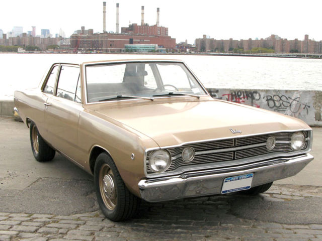1968 Dodge Dart (Gold/Gold)