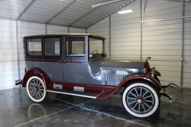 1922 Studebaker BIG SIX (Black/BURGUN)