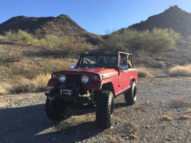 1967 Jeep Commando (Red/Black)