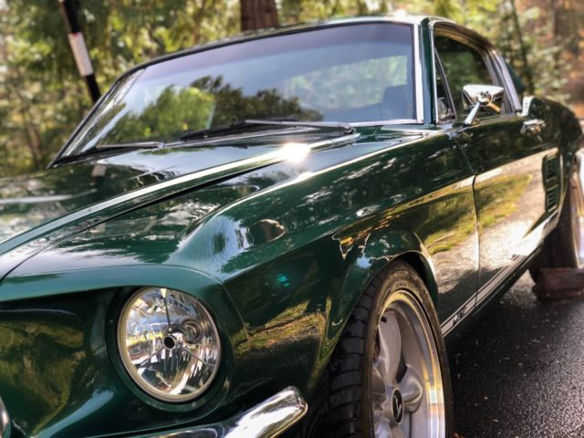 1967 Ford Mustang (Green/Black)