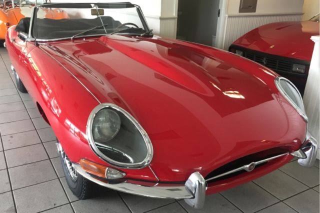 1967 Jaguar XK (Red/Black)