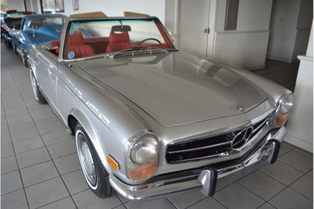 1970 Mercedes-Benz SL-Class (Silver/Red)
