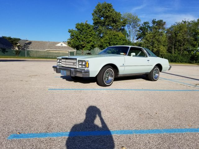 1977 Buick Regal (Green/Green)