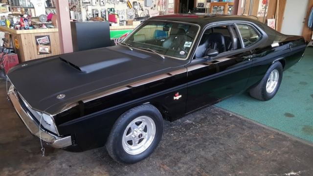 1972 Dodge Dart (Black/Black)