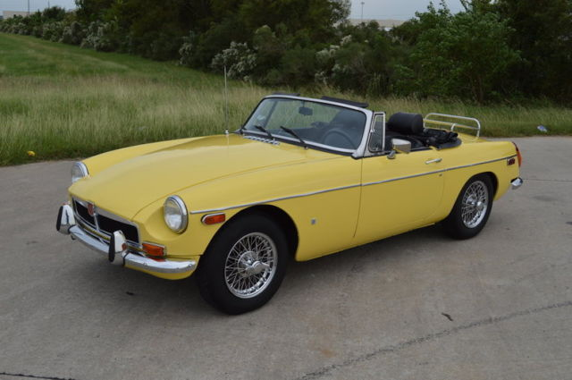 1974 MG MGB (Yellow/Black)