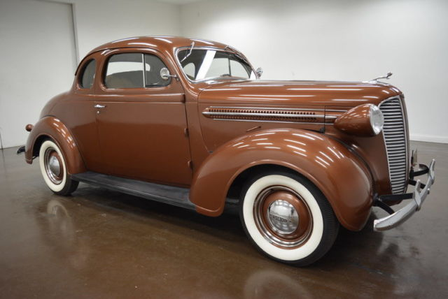1937 Dodge Coupe (Brown/Brown)