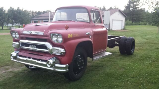1958 GMC 370 (Red/Green)