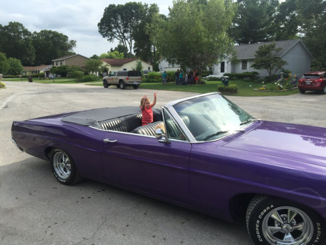 1968 Ford Galaxie (Purple/Black)