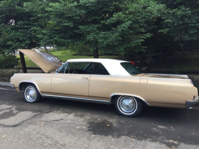 1964 Oldsmobile Eighty-Eight (Gold /White/Brown)